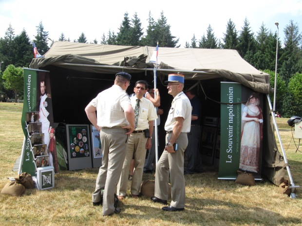 Sur le stand du Souvenir Napoléonien, avec un général du train.  http://www.souvenirnapoleonien.org/