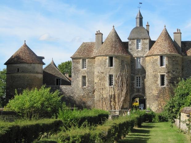 Ratilly, un château proche.