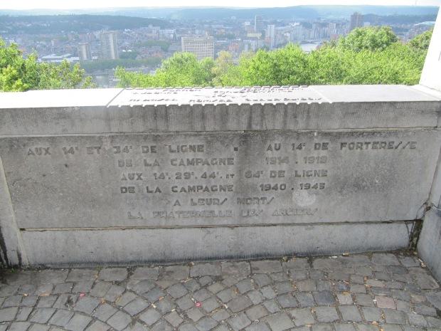 Inscriptions aux valeureux combattants qui donnèrent leur vie à Liège.