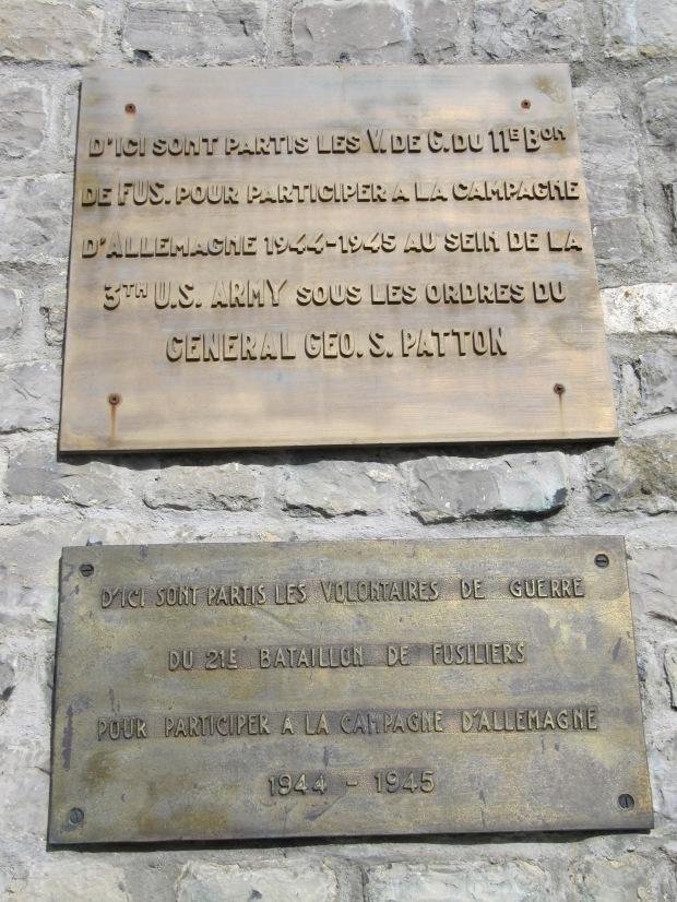 Depuis la citadelle des volontaires, devant Patton, partirent pour le combat contre l'Allemagne, 1944-1945.