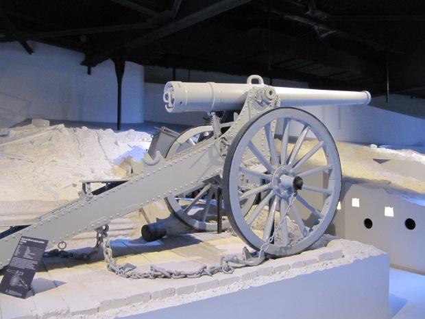 Pièce de 120mm du système de Bange (années 1880-1890) réutilisée en 1914-1914.