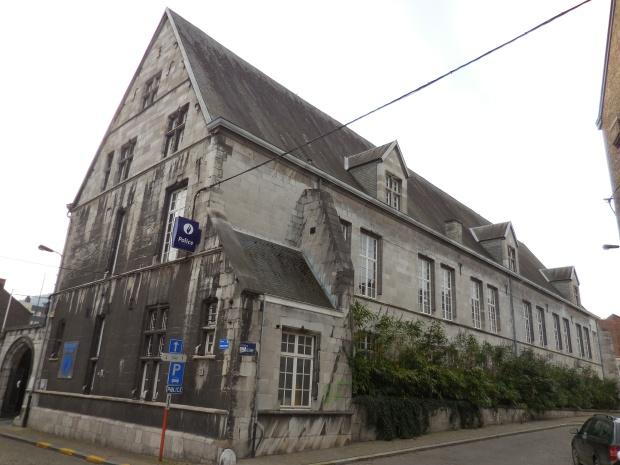 Refuge de l'abbaye d'Aulne, aujourd'hui une école.