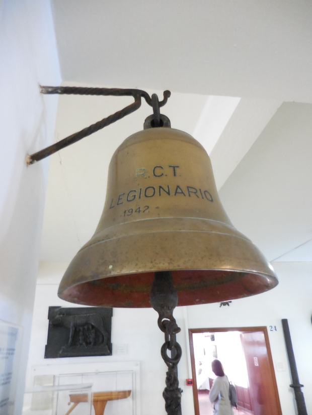 "Cloche du contre-torpilleur ""Legionario""."