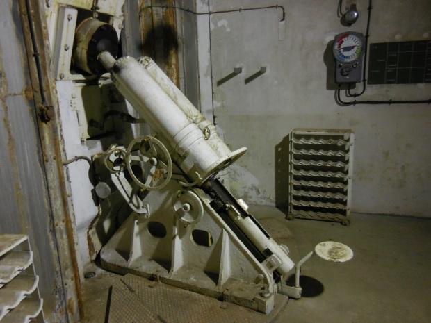 Mortier de 81 mm dans l'ouvrage.