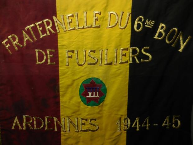 Drapeau de la fraternelle d'une unité belge libre.