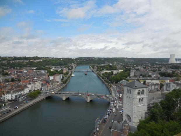 La ville et la Meuse vues depuis le fort.